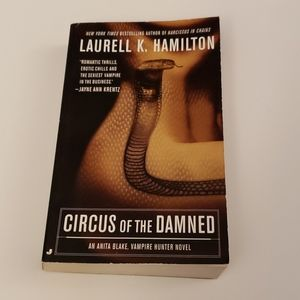 📚 5/$20 Laurell K. Hamilton, Circus of the Damned